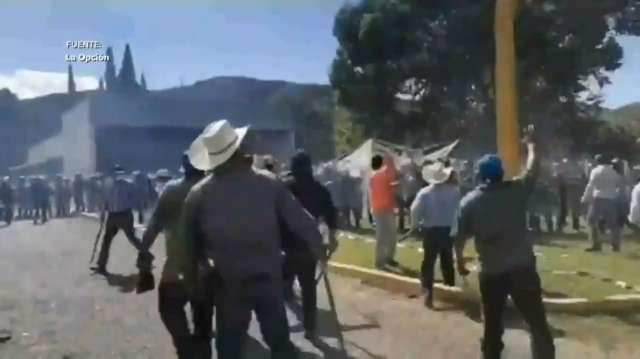 AGRICULTORES EXPULSARON A LA GUARDIA NACIONAL DE LA BOQUILLA Y SE CERRARON LAS COMPUERTAS